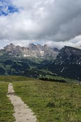 65 (Alessandro Gaziano) Tags: alessandrogaziano foto fotografia dolomiti unesco montagna panorama landscape italia italy valgardena altoadige alpi natura cielo nuvole