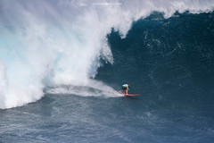 IMG_3071 copy (Aaron Lynton) Tags: surfing lyntonproductions canon 7d maui hawaii surf peahi jaws wsl big wave xxl