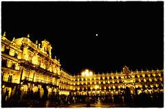 Salamanca. Plaza Mayor (ancama_99(toni)) Tags: salamanca nikon night nocturna noche tokina 1116mm plazamayor plaza lights luces luna moon