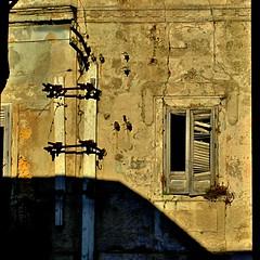 finestra (archifra -francesco de vincenzi-) Tags: urban muro abandoned square ombre finestra sicilia trapani carré ombres mazaradelvallo archifraisernia francescodevincenzi