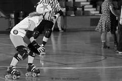 skulls_vs_scars_L1063205 1 (nocklebeast) Tags: ca usa santacruz rollerderby rollergirls skates sugarskulls groms juniorderby bumperscars santacruzderbygroms