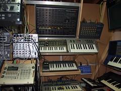 LP158646 (LoxPix2) Tags: boss music studio guitar fender synth roland korg yamaha emu gibson akai novation alesis kawai maudio behringer kurzweil teisco ensoniq tapco rogerlinn loxpix