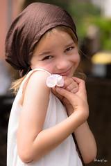 Timidité (Sabrina Vosgien) Tags: portrait child innocent shy enfant tendresse timide