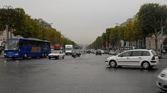 Champs-Élysées (carolemason) Tags: ferriswheel champsélyséespariscarsbuscoachmotorcycle