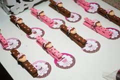 Pregadores cupcake (Lili Arte em biscuit) Tags: de rosa biscuit cupcake e marrom ch panela grampo fecha prendedores lembrancinha pacote pregadores