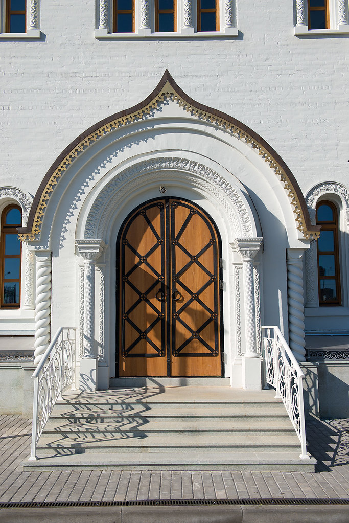 фото: Вход