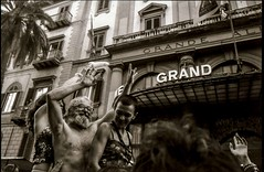 Grand Pride 2015 (www.lucegrafia.com/html/portfolioGiuseppe.html) Tags: old gay girls bw white black roma zeiss palms hotel glasses hands 28mm happiness hc110 grand pride via contax older g1 sicily hp5 palermo milf palme sicilia granfather giuseppe lesbo delle 2015 biogon hilford solb peloblanco stanfa