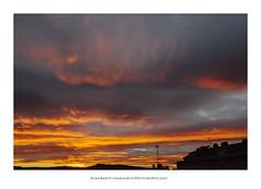 Desde mi ventana os deseo a todos Felices Fiestas ! (PITUSA 2) Tags: naturaleza color galicia amanecer cielo nubes pontevedra amanece desdemiventana poio pitusa2 elsabustomagdalena