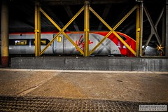 CreweRailStation2016.10.22-95 (Robert Mann MA Photography) Tags: crewerailstation crewestation crewe cheshire station trainstation trainstations train trains railway railways railwaystation railwaystations railstations railstation virgintrains virgintrainspendolino class390 class390pendolino pendolino northern northernrail class323 eastmidlandstrains class153 class350 desiro class350desiro arrivatrainswales class158 towns town towncentre crewetowncentre architecture nightscapes nightscape 2016 autumn saturday 22ndoctober2016 londonmidland