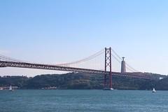 Ponte 25 de abril | Portugal 2016 (Vrenna) Tags: ponte25deabril ponte lisboa lisbon lissabon portugal brcke hngebrcke tejo christus statue
