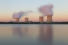 2 sur 4 (Fabien Husslein) Tags: cattenom mirgenbach usine centrale nucleaire nuclear factory power plant atomic long exposure pose longue time temps morning matin sunrise lever soleil paysage landscape colour couleur nuage cloud