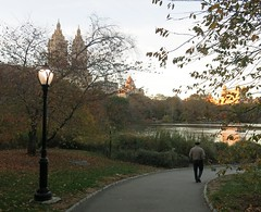 Sunday Colours - New York Afternoon (Pushapoze (not my president)) Tags: newyorkcity centralpark lake sanremo reverbere streetlamp