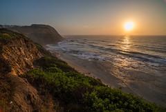 IRIX sunrise (OzzRod) Tags: pentax k1 irix15mmf24blackstone sun sunrise intothesun dawn ocean sea waves swell rockplatform cliff bitou flare susangilmore newcastle australia