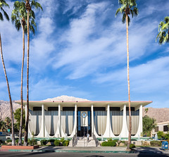 Coachella Valley Bank (Chimay Bleue) Tags: architecture modern williams modernism bank palm architect stewart springs valley e chase coachella brasilia modernist midcentury