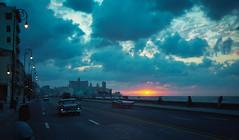 Havana Sunset - Cuba (IV2K) Tags: sunset sun mamiya film kodak havana cuba malecon caribbean analogue cuban habana portra kuba lahabana mamiya7ii 7ii