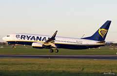 Ryanair 737-800 EI-FIV (birrlad) Tags: ireland sunset dublin sunlight airplane airport aircraft aviation airplanes landing international finals airline boeing arrival ryanair airways approach airlines runway dub airliner arriving b737 737800 b738 7378as