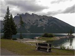 Lake Minnewanka in Banff- National-Park- (F. Ovies) Tags: canada montaas rocosas