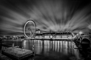 The Camera Always Lies - London Eye by Simon & His Camera