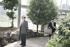 IMG_9766 (Dimitri SoyFeliz) Tags: japan shinjukuku shinjuku tokyo canon eosm eos 22mm 22mmf2 minimal minimalism minimalist newtopographics desolate outdoors hiragana