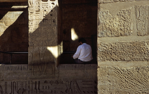 "Ägypten 1999 (461) Theben West: Medinet Habu • <a style=""font-size:0.8em;"" href=""http://www.flickr.com/photos/69570948@N04/30228370104/"" target=""_blank"">View on Flickr</a>"