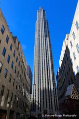 NYC - G.E. Building at Rockfeller Center (ssspnnn) Tags: ge gebuilding comcast comcastbuilding rca rockfellercenter spnunes nunes spereiranunes canoneos70d newyork nyc eua eeuu usa