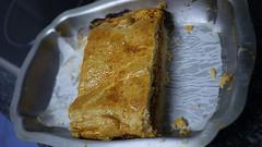 Empanada de bonito (Jusotil_1943) Tags: 261116 metal bandeja empanada food
