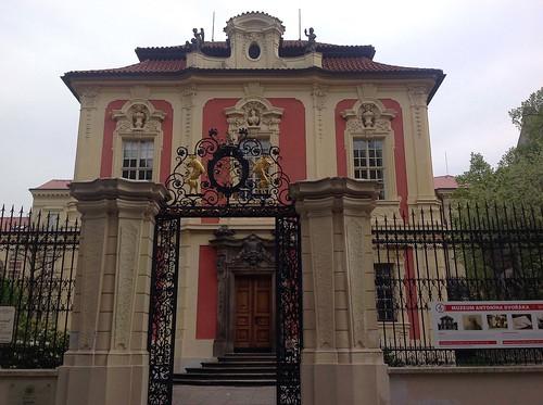 Neat Architecture in Prague