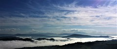 Sky, clouds and fog (ricmain) Tags: sky cielo blue azzurro clouds nuvole fog nebbia bianca inverno winter buonalbergo italia italy mainiero paesaggio landscape