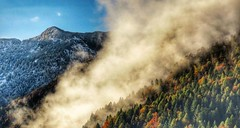 Contrasti (Cristina Birri) Tags: fornidisopra udine friuli dolomiti montagne mountains autunno autumn clouds nuvole