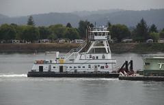 Tidewater Barge Lines SUNDIAL (Chuck Stephens) Tags: sundial columbiariver tugboat tug tugs tugboats vancouverwashington workboats tidewaterbargelines pacificnorthwesttugs theothervancouver columbiarivertugs 367047180 wdc5838