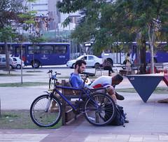 Homem e sua Bicicleta (PortalJornalismoESPM.SP) Tags: sopaulo bicicleta sp ciclista homem farialima mobilidade largodabatata semanadamobilidade