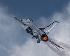 USAF Thunderbird (David Wirtz) Tags: show county david fighter force kentucky ky aircraft air jet performance 8x10 f16 falcon wirtz states thunderbirds fighting usaf thunderbird owensboro unites 2015 daviess davidwirtz