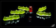 Au secours! (alboms) Tags: bear red black green rouge noir vert crocodile sweets haribo bonbons nounours gummybear jellybear glatine