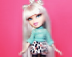 I Can Do It WiLD (alexbabs1) Tags: 2001 our wild fashion sarah night out dolls 1st magic 4 it og lori prototype passion loves bangs edition moxie generation polished totally bratz cloe midge slay 2015 palins teenz bratzillaz