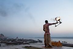 Brahamano (daniele romagnoli - Tanks for 23 million views) Tags: india sunrise river nikon asia alba indian fiume indie varanasi hinduism indien ganga indiano inde benares indu d300 インド induismo indiani gange indija 印度 الهند bramino индия romagnolidaniele brahamino