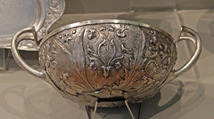 Hildesheim silver bowl with plant ornaments (f_snarfel) Tags: hildesheim museumsinsel altesmuseumberlin antikensammlungberlin staatlichemuseenberlin hildesheimbowl hildesheimschüssel hildesheimsilvertreasure