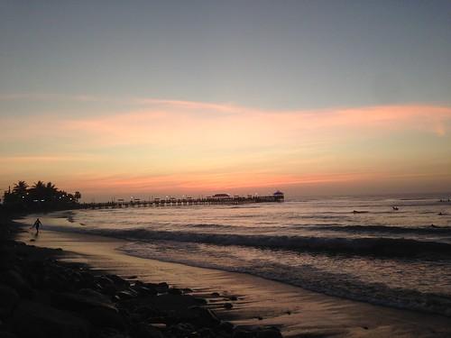 Sonnenuntergang am Strand. Mit Pier (und Bier). #Huanchaco