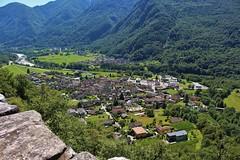 Das Dorf Maggia im Maggiatal++The village of Maggia in the Maggia Valley (@frauchi) Tags: natur berge landschaft tal alpen tessin maggiatal canon eos700d
