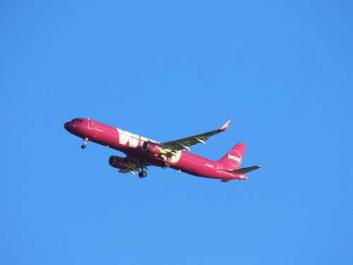 WOW Airlines Airbus A321 TF-MOM over Father Collins Park, Clongriffin