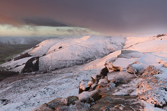 Kinder Scout to Grindslow Knoll (Paul Newcombe) Tags: kinderscout nethertor england vista uk landscape snow november winter rocks gritstone grindslowknoll sidelight warmlight goldenhour edale valley paulnewcombephotography cnaon1635f4l