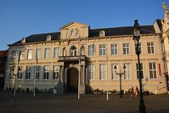 Bruges: Oud Gerechtshof (zug55) Tags: bruges brugge brgge flanders flandres flandern belgium belgique belgi belgien vlaanderen westflanders westvlaanderen unescoworldheritagesite worldheritagesite unesco welterbe werelderfgoed burg oudgerechtshof neoclassical