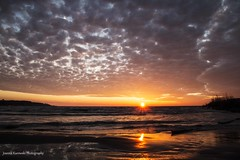 Sunrise in Port Stanley (Joanna Kurowski Photography) Tags: sunrise portstanleyontario beach sun sunrays clouds waves water lake lakeerie ontario canada colorful nature day morning earlymorning outdoor canon joannakphotos