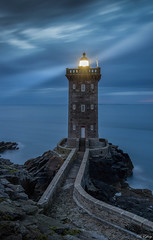 Kermorvan (f.ray35) Tags: lighthouse phare bretagne britany finistère soir light seacape sea sky clouds canon contraste breizh