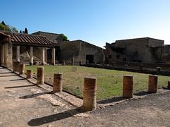 Terme del Foro (Peristilio), Herculaneum - Scavi d (Anne O.) Tags: scavidiercolano herculaneum unescoweltkulturerbe