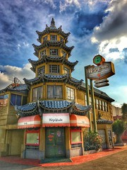 Hop Louie restaurant is closed, the end of a 75 year run (Karol Franks) Tags: snapseed iphone memories architecture building theendofanera historical signs neon pagoda restaurant iconic hoplouie socal california losangeles chinatown chinese