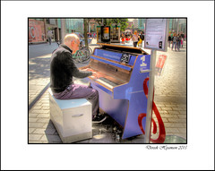 TICKLE THE IVORIES 2015 #9 (Derek Hyamson (5 Million views)) Tags: candids hdr contrejour paradisestreet 2015 liverpoolone tickletheivories