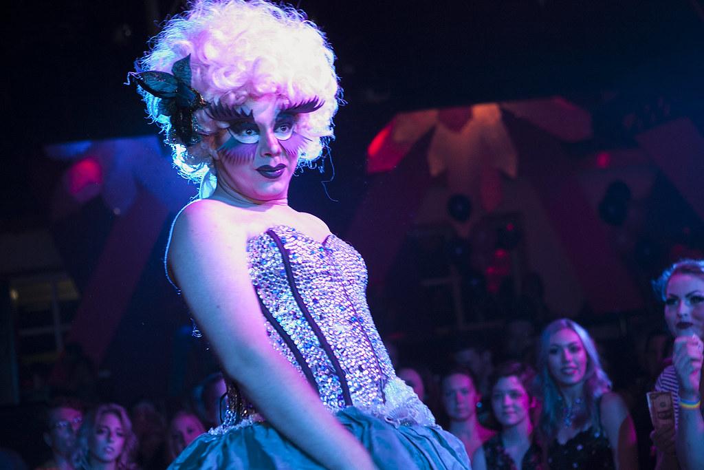 Holly body scissor lesbian | Sex gallery)
