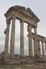 Portico, Apamea, Syria (susiefleckney) Tags: apamea syria hama ghabplain seleucid roman byzantine arab ruins archaeology ancient portico westernasia