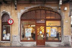 Leeuwarden, Centraal Apotheek (Jan Sluijter) Tags: holland architecture liberty nederland pharmacy artnouveau 1904 friesland 1905 centraal leeuwarden jugendstil farmacia apotheek farmacie broekema visitholland