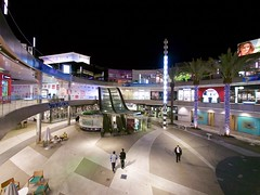 Santa Monica Place (Travis Estell) Tags: california retail mall shopping santamonica shoppingmall shoppingcenter santamonicaplace losangelescounty retaildistrict retailcorridor